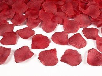 Płatki róż na walentynki